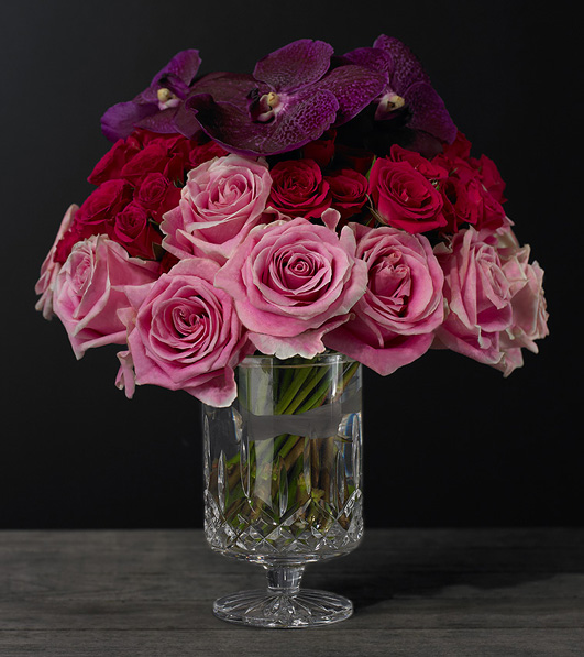 Crystal vase from Lismore Simplicity collection with roses
