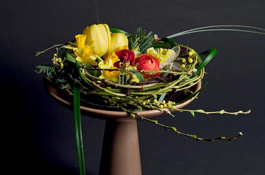 Spring Pedestal Nest