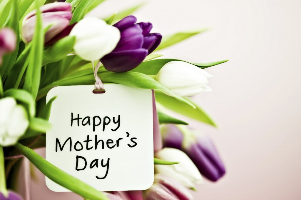 5 SURE SHOT WAYS TO CHARM YOUR MOM THIS MOTHER'S DAY