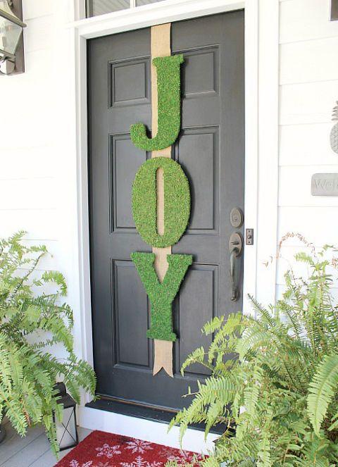 wooden-door-decoration