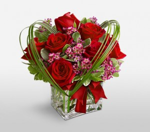 Chic Valentines Day Arrangement