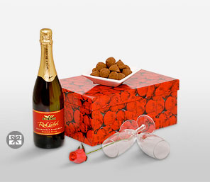 Box Full Of Kisses-Red,Hamper,Champagne