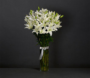Asiatic Lilium White <font color=red>Free Vase</font>