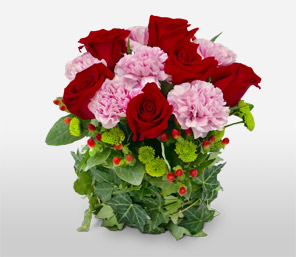 Ivy League-Green,Pink,Red,Carnation,Rose,Bouquet