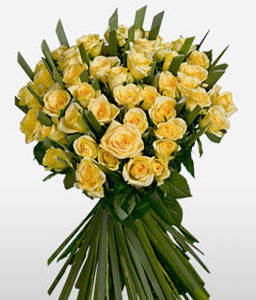 Supernova  Yellow <Br><span>Two Dozen Yellow Roses </span>