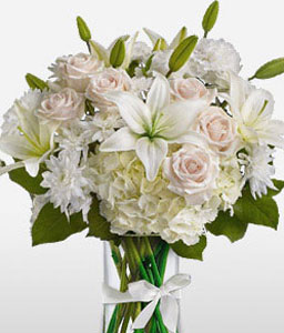 Astra-White,Hydrangea,Lily,Rose,Arrangement