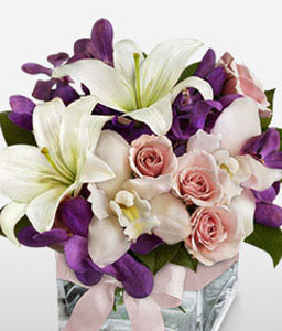 Fleur Vogue-Mixed,Pink,Purple,White,Lily,Mixed Flower,Orchid,Rose,Arrangement