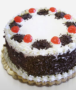 Black Forest Cake - 35oz/1kg-Chocolate,Cakes