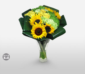 Look Up at the Sky-Yellow,Rose,SunFlower,Arrangement