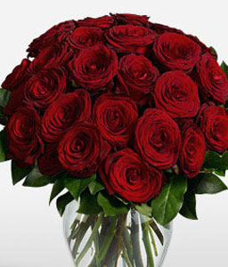 Perfect Surprise <Font Color=Red>24 Red Roses In A Vase </Font>
