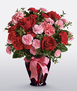 Hugs And Kisses<Br><Font Color=Red>Carnations and Roses in Vase</Font>
