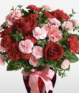 Hugs And Kisses<Br><Font Color=Red>Fresh Carnations & Roses - Sale $45 Off</Font>