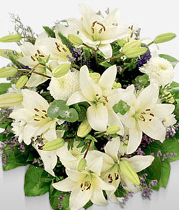 Pierre Penthouse-Green,White,Lily,Bouquet