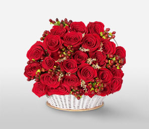 Christmas Magic-Red,Rose,Arrangement,Basket