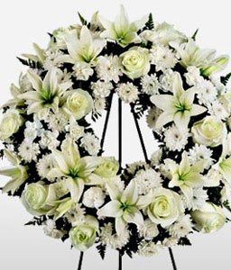 Sweet Serenity <Br><Font Color=Red>Funeral Wreath</Font>