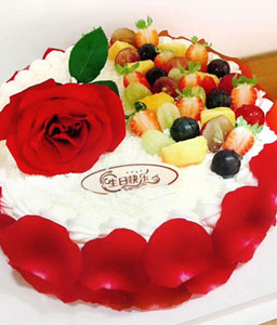 Flavourful Fruit Flower Cake