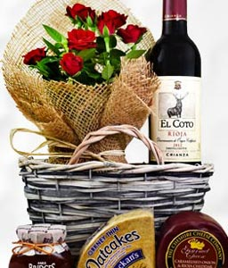 Rose and Rioja Gift Basket