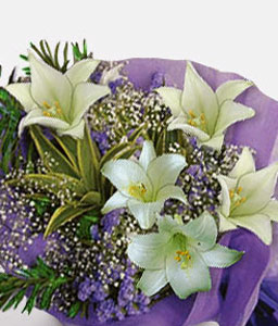 Sincerity-Green,White,Lily,Bouquet