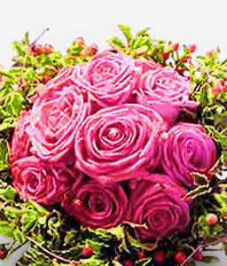 Pink Strast <Br><Font Color=Red>Lavender Roses with Greens</Font>