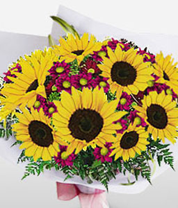 Saucy-Purple,Yellow,Chrysanthemum,SunFlower,Bouquet