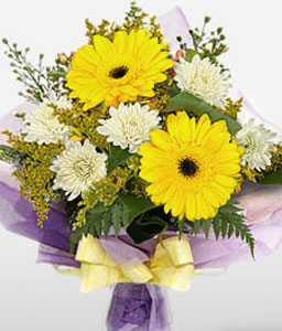 Simplicity-White,Yellow,Chrysanthemum,Bouquet