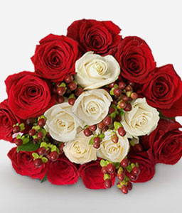 Dreamy Rendezvous <Br><Font Color=Red>18 Red & White Roses</Font>