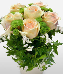 Sweet Ivy-Green,Peach,White,Rose,Arrangement
