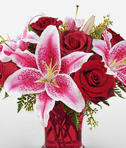 Glamorous-Pink,Red,Lily,Rose,Arrangement