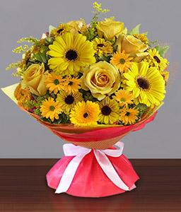 Shangri La-Yellow,Daisy,Gerbera,Rose,Bouquet