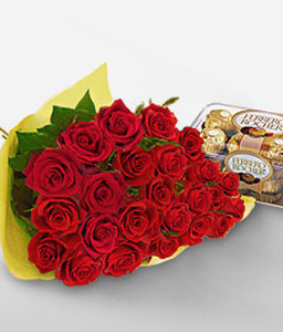 Rouge Paradise <Br><span>Two Dozen Roses & Box Of Chocolates</span>