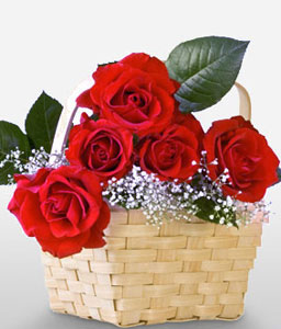 Valentines Arrangement <Br><Font Color=Red>6 Roses In A Basket</Font>