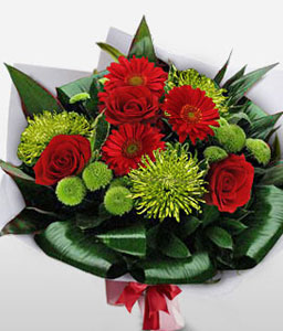 Enchanting Zeal-Green,Mixed,Red,Chrysanthemum,Mixed Flower,Rose,Bouquet