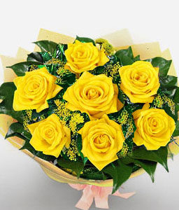 Golden Charm-Green,Yellow,Rose,Bouquet