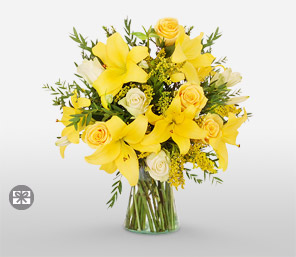 Sunrays<Br><Font Color=Red>Yellow and White Flowers Bouquet</Font>