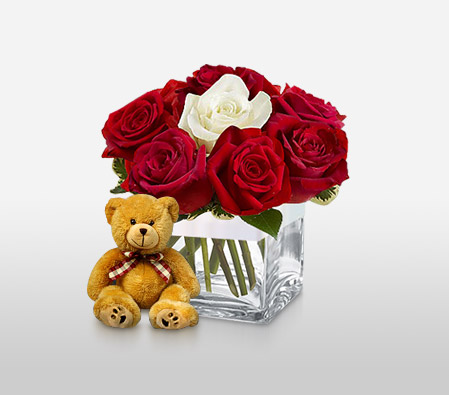 Rufescent-Red,White,Rose,Arrangement