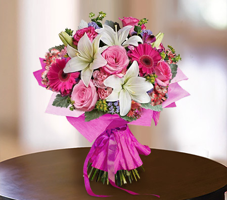 Mixed Delight<Br><Font Color=Red>Roses + Lilies + Carnations</Font>