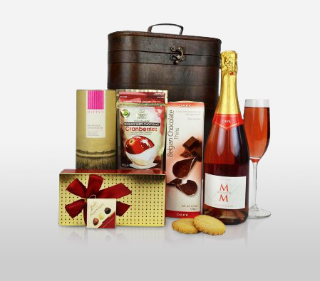 Delectable Festive Delight Hamper
