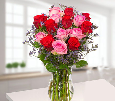 15 Red & Pink Roses With Blue Limonium