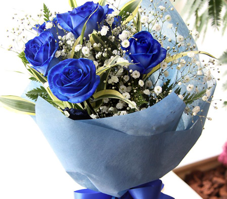Beautiful Blue Roses Bouquet