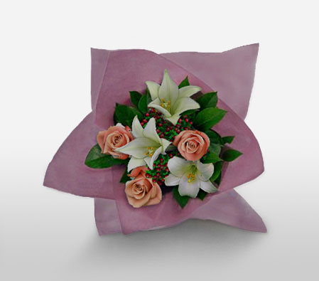 Jurong Gardens-Green,Peach,White,Lily,Rose,Bouquet